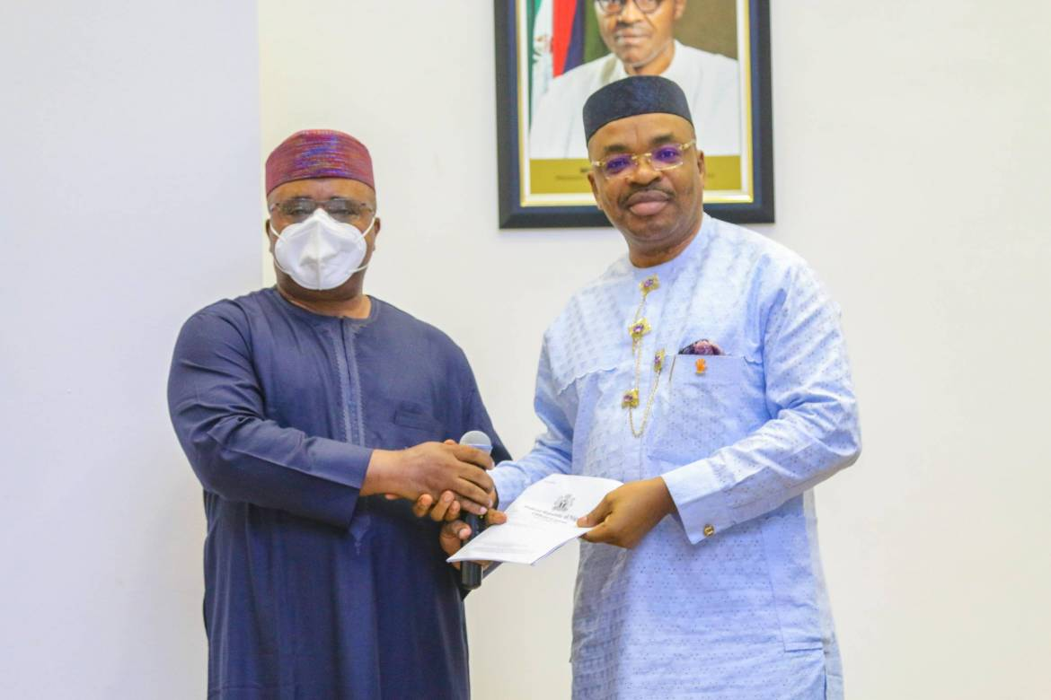Gov Emmanuel Formally Receives Liberty Oil And Gas Free Zone License